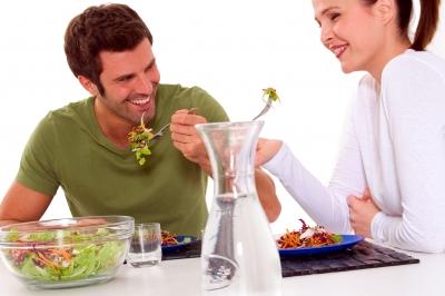 couple eating, couple qui mange