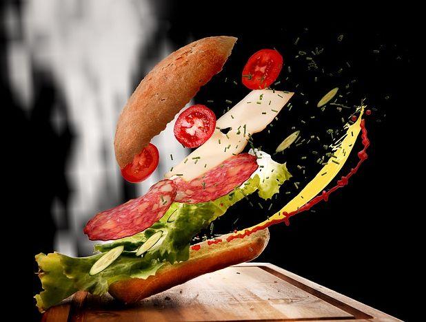 Les différents aliments d'un sandwich qu'il faut bannir ou privilégier pour protéger ses dents.